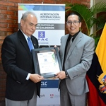 Instituto Particular Abdón Calderón (IPAC) – obtiene la Acreditación Internacional en Tics como  Computer Learning Center by IBEC